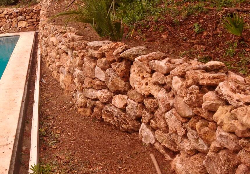 building stone walls in gardens marbella