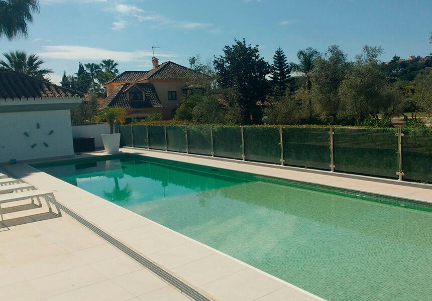Mantenimiento y limpieza de piscinas en Marbella